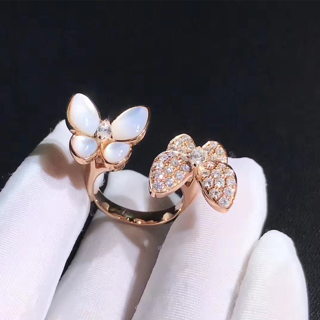VCA 18k Rose Gold Diamond and Mother-of-pearl Two Butterfly Between the Finger Ring VCARO7AL00