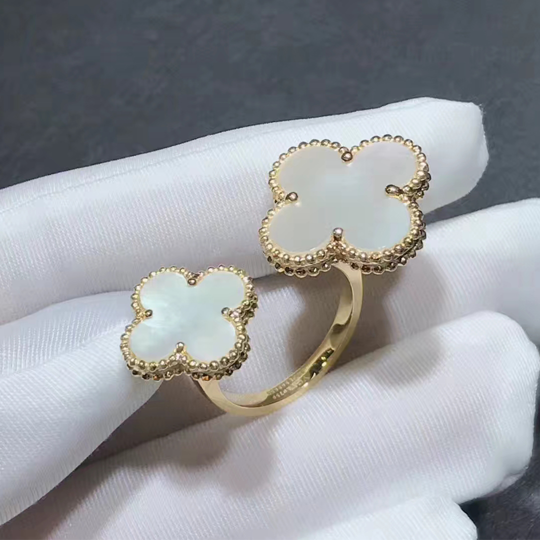 VCA Magic Alhambra 18k Yellow Gold Mother of Peral Between the Finger Ring VCARN05500