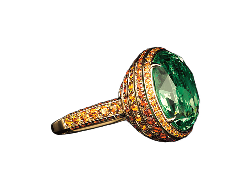Tiffany & Co. – Ring mounted on yellow gold with an 11,79ct oval light tsavorite and round spessartites, from the Blue Book collection, The Art of Transformation