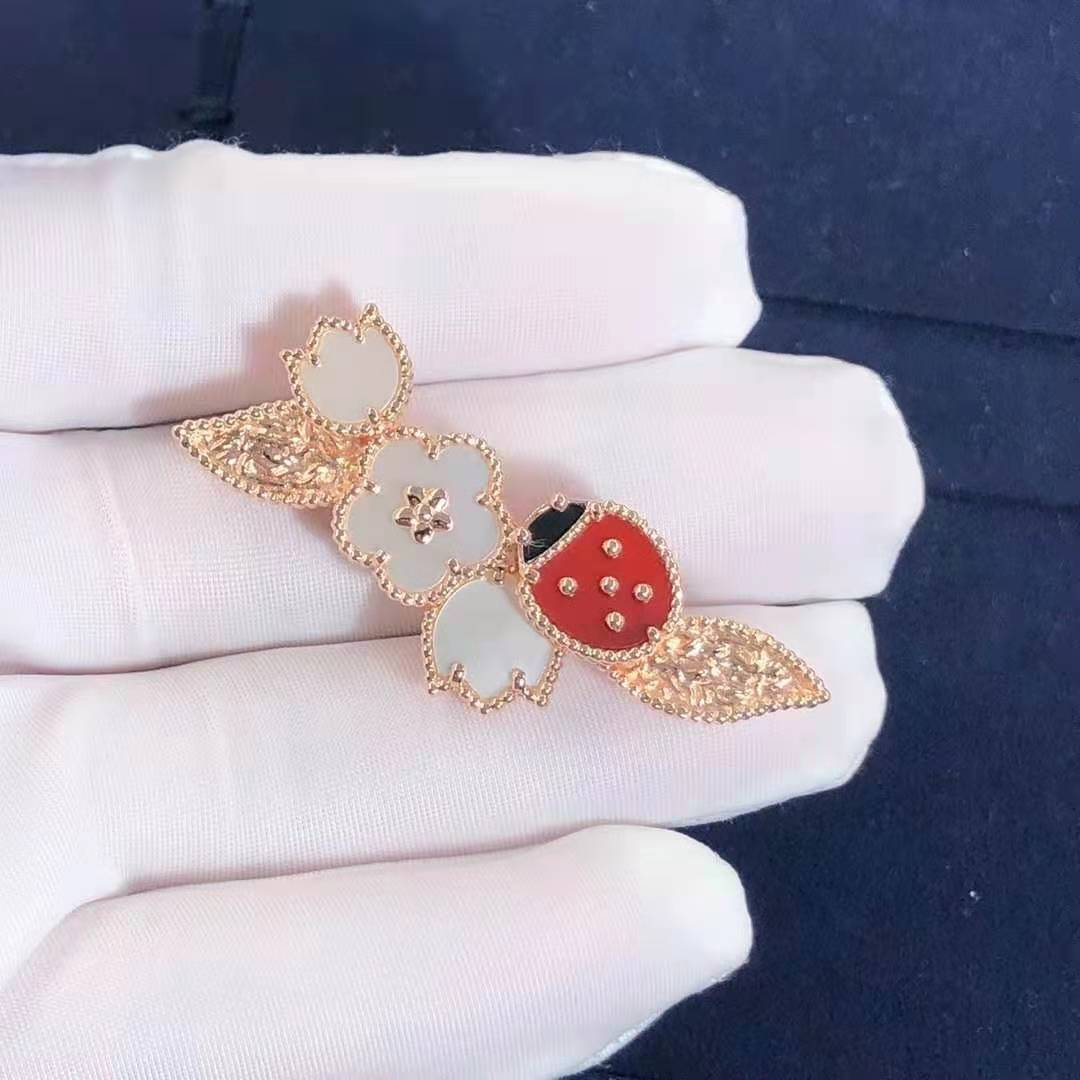 Van Cleef Lucky Spring 18k Rose Gold White Mother of Pearl, Carnelian and Onyx Clip VCARP7RS00